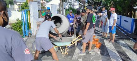 Kerja Bakti Persiapan Lomba Kampung Lalu Lintas Tingkat Provinsi